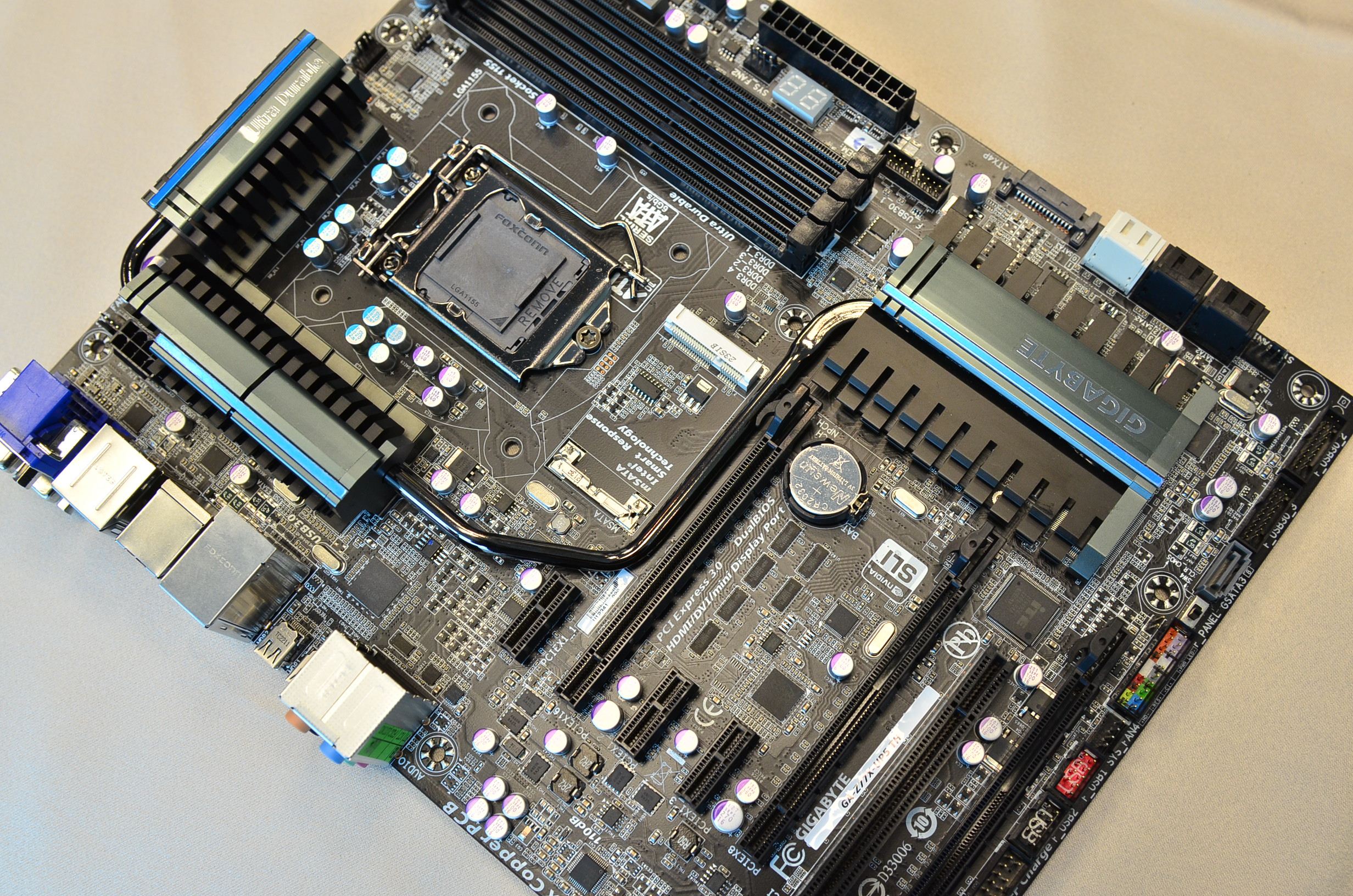 GIGABYTE-Z77X-UP5 TH-Motherboard (1)