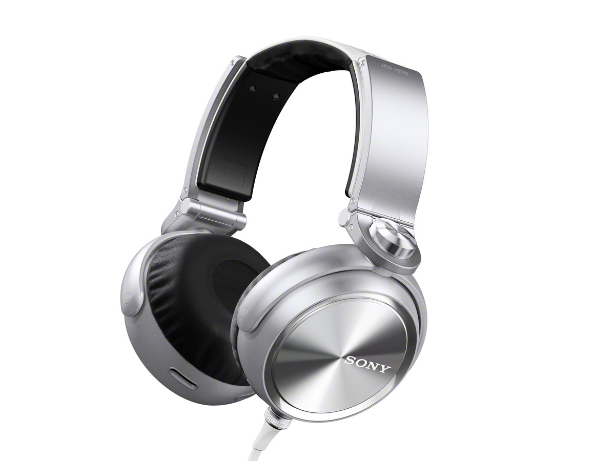 Sony Introduces MDR-XB910 Music Headphones